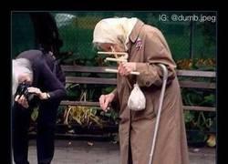 Enlace a Cómo mola esta abuela