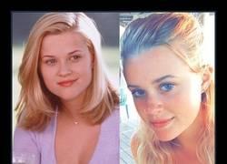 Enlace a La hija de Reese Witherspoon es su propio clon