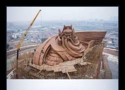 Enlace a Desvelada en China una épica estatua de 1320 toneladas de su Dios de la Guerra