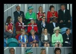 Enlace a La Reina Isabel II siempre consigue lo que se propone