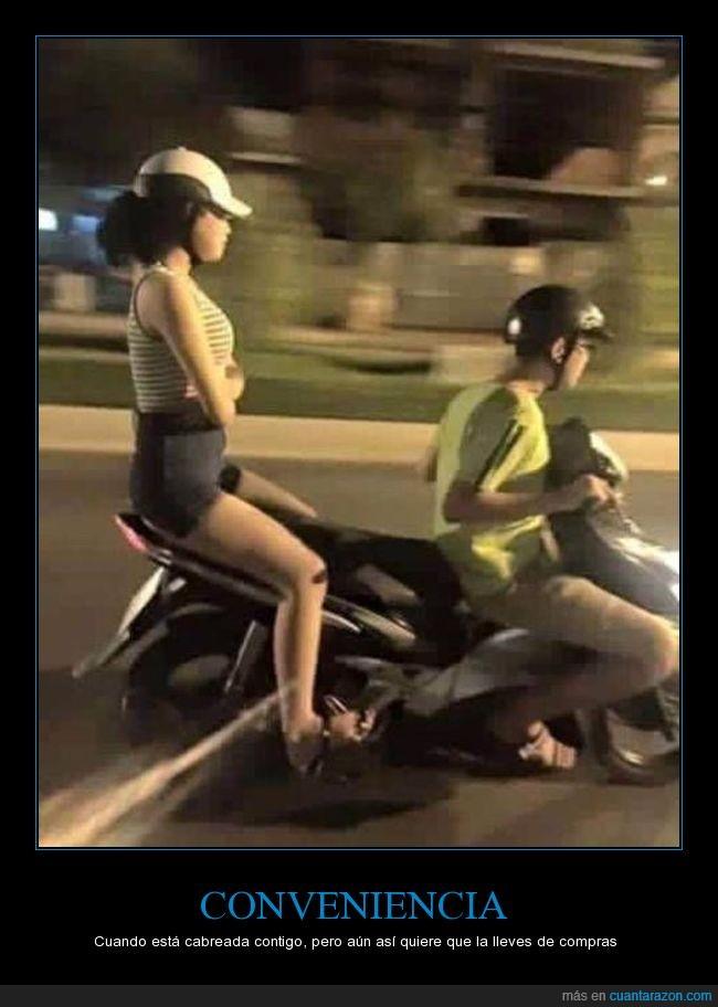 detrás,moto,novios,separada