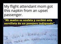 Enlace a Viajar en avión nos convierte en animales