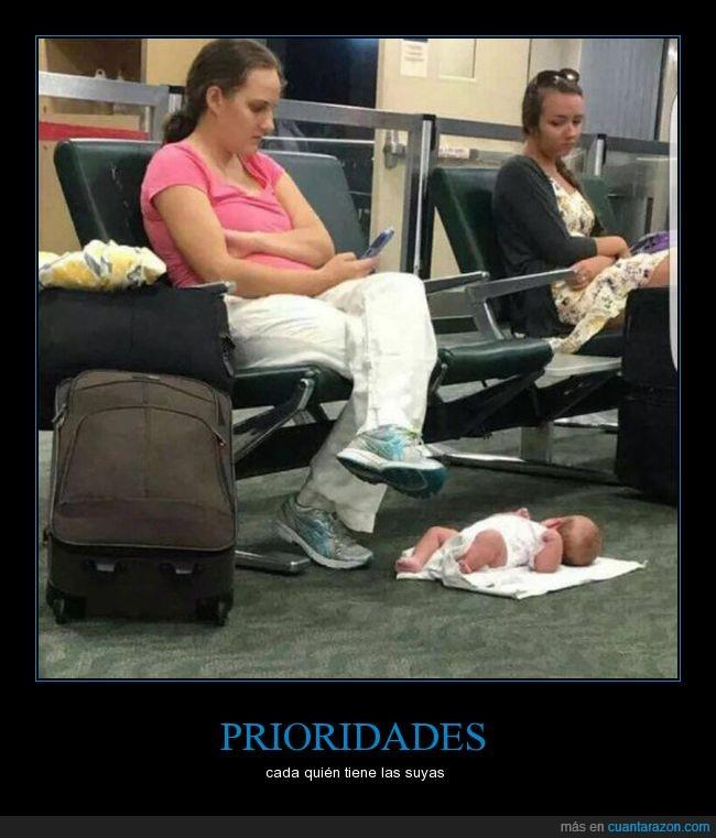 bebé.smartphone,chica,madre,suelo