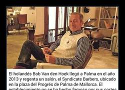 Enlace a Barbería solo para perros y hombres desata la polémica en Mallorca