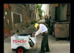 Enlace a Esta triste foto de un anciano de 89 años vendiendo paletas consigue algo GENIAL