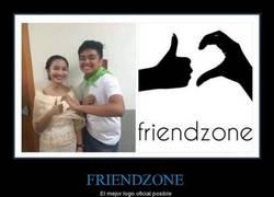 Enlace a #OFICIAL. La friendzone tiene logo
