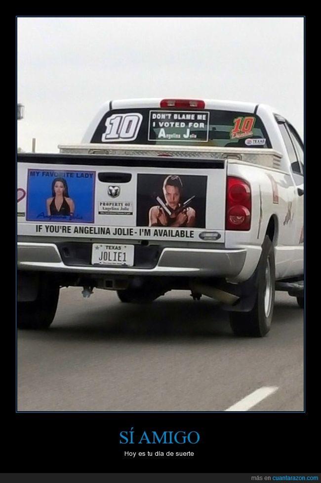 angelina jolie,camioneta,cartel,fan
