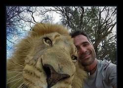 Enlace a Cuenta la leyenda que es su último selfie