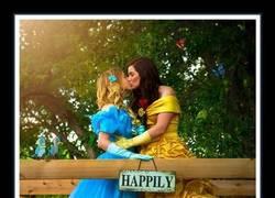 Enlace a Los tiempos han cambiado cuando las princesas Disney se casan entre ellas