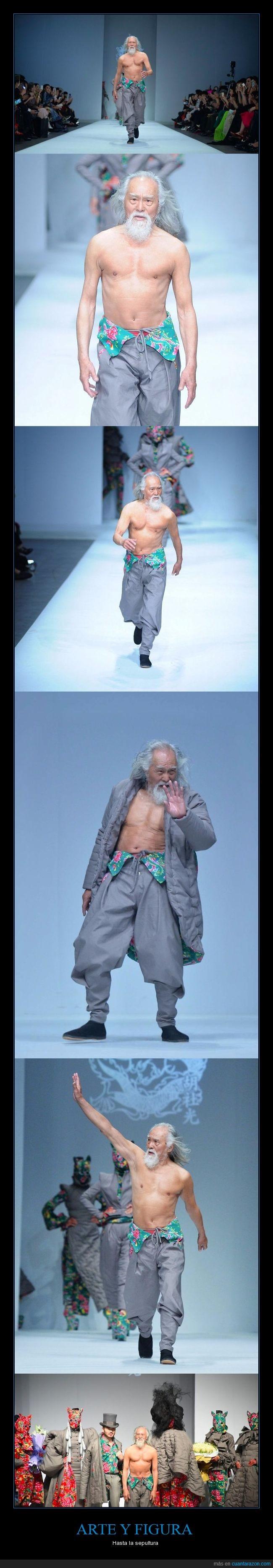 80 años,abuelo,desfilar,modelo