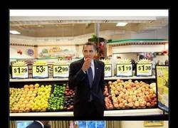 Enlace a El fotógrafo oficial de la Casa Blanca desvela sus fotos preferidas de Obama