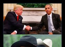 Enlace a El saludo entre Trump y Obama genera la mejor ronda de chops del año