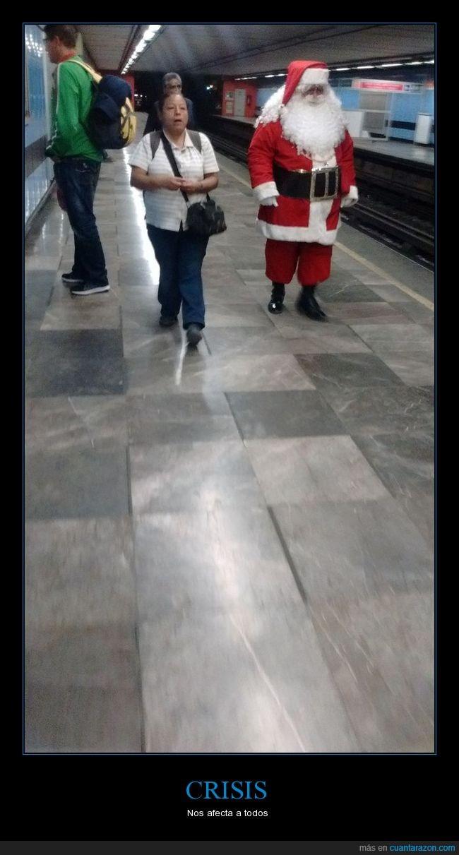 Crisis,Metro,Santa Claus,Suburbano,Transporte público