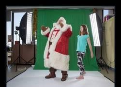 Enlace a Fotógrafa usa photoshop para dar a niños enfermos la mágica Navidad que se merecen