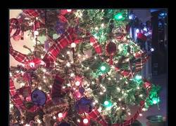 Enlace a Lo que esconde este árbol de Navidad es el mejor regalo posible