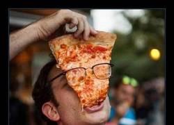 Enlace a Así se come la pizza