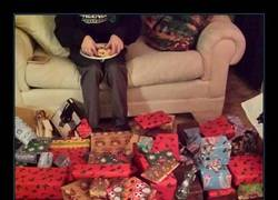 Enlace a Los 10 regalos de Navidad más troll que se han recibido este año
