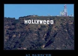 Enlace a Cambian el cartel de Hollywood por 'Hollyweed', ahora que consumir marihuana en California es legal
