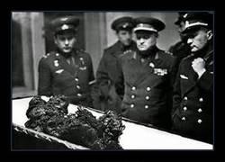 Enlace a Vladímir Mijáilovich Komarov, el hombre que cayó del espacio