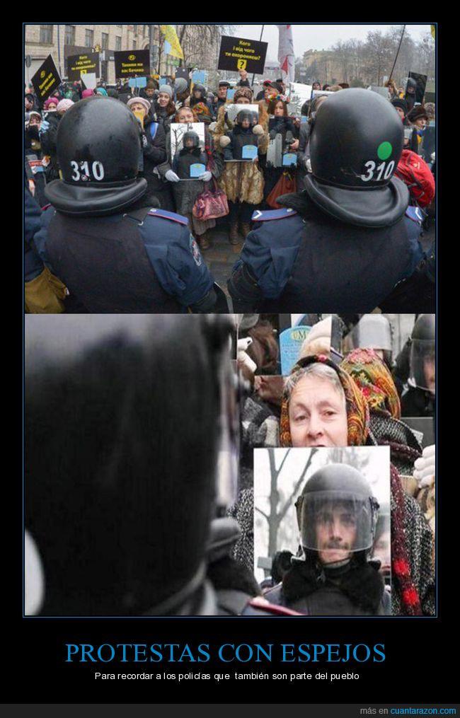 espejos,manifestación,policía,protesta,Ucrania