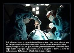 Enlace a No por nada los cirujanos utilizan el color verde y azul. El motivo está más que justificado