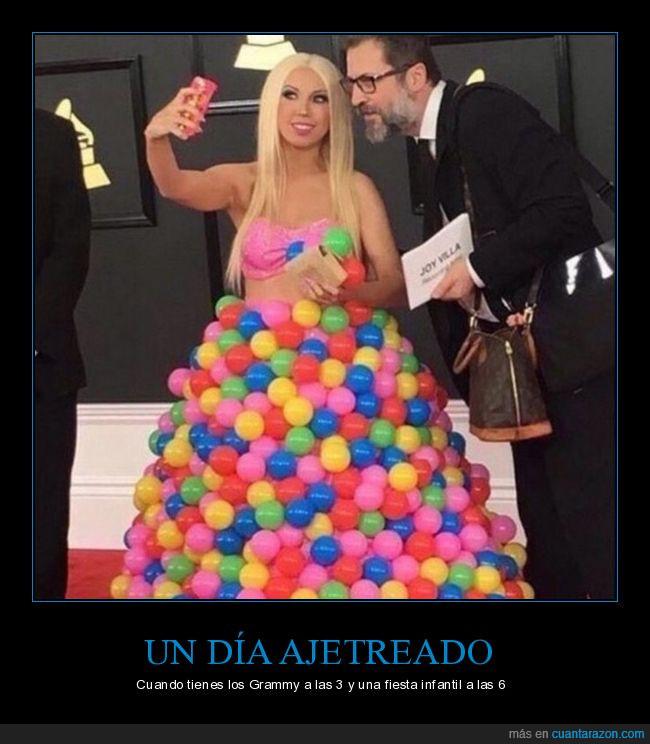 famosa,globos,grammys,vestido