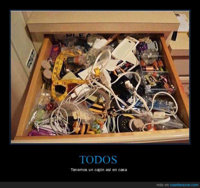 cables,cajón,desastre,lío