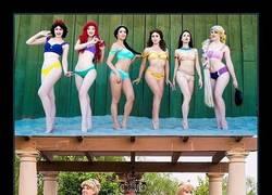 Enlace a Han llegado los bikinis de princesas Disney, y son un sueño hecho realidad para las fans de Disney