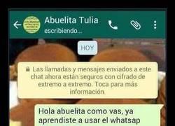 Enlace a CONSEJO: No ayudes a tu abuela a enviar fotos por Whatsapp o se va a liar así
