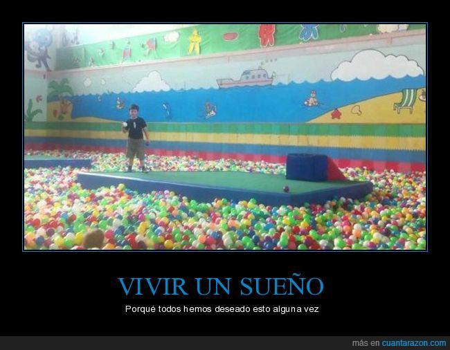 bolas,desear,piscina,saltar,sueño