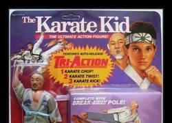 Enlace a El muñeco de Karate Kid
