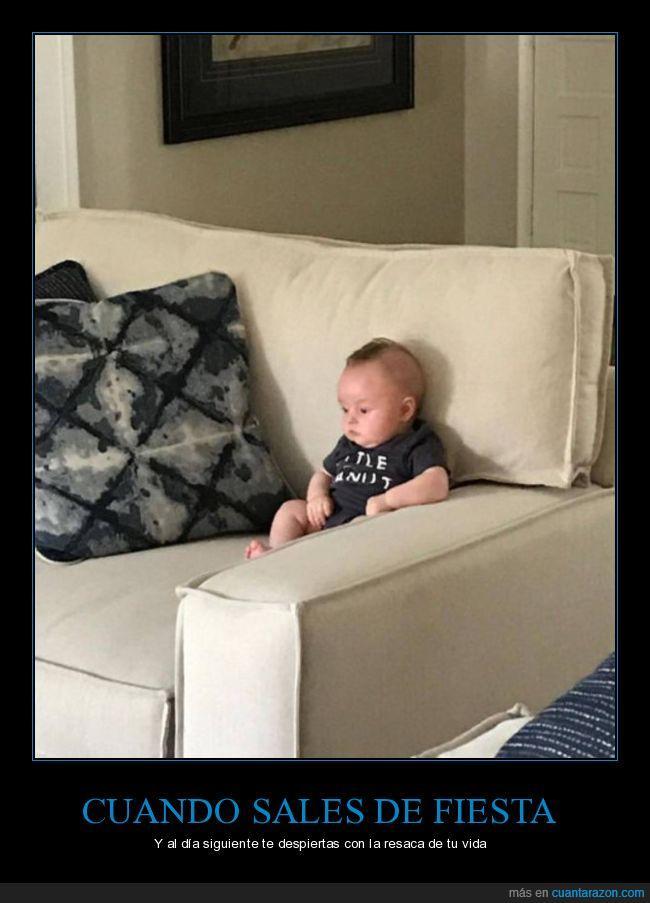 bebé,cara,empanado,fiesta,mirando a la nada pensando en todo,sentarse,sofá