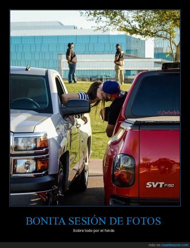autos,beso,lejos nalgas,par,pareja