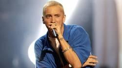 Enlace a A Eminem le acaba de salir barba por primera vez en su vida y nadie sabe cómo asimilarlo