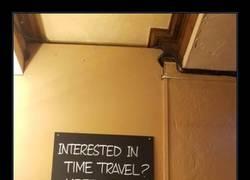 Enlace a ¿Le interesan los viajes en el tiempo?Reunión aquí el jueves pasado a las 8