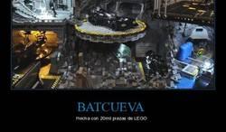 Enlace a Batcueva hecha de 20mil piezas de lego