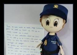 Enlace a La tierna carta de una niña a su padre policía destinado en Cataluña