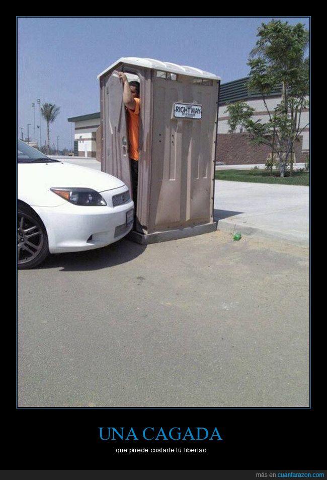 baño,coche,puerta