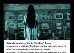 Enlace a Así es la niña terrorífica de 'The Ring', Daveigh Chase 15 años después