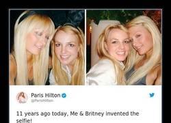 Enlace a Paris Hilton dijo que ella y Britney inventaron el selfie, e Internet desmonta su teoría con muchas pruebas