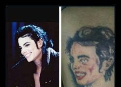 Enlace a Cuando quieres a Michael Jackson pero acabas con un Ramoncín poseído