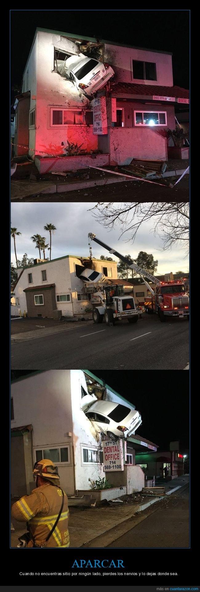 accidente,coche,edificio,empotrado,wtf