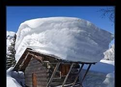 Enlace a Nevadas que le añaden un elegante tupé a tu cabaña
