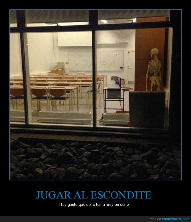 clase,escondite,esqueleto