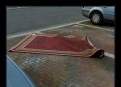 Enlace a Si bebes no cojas la alfombra voladora