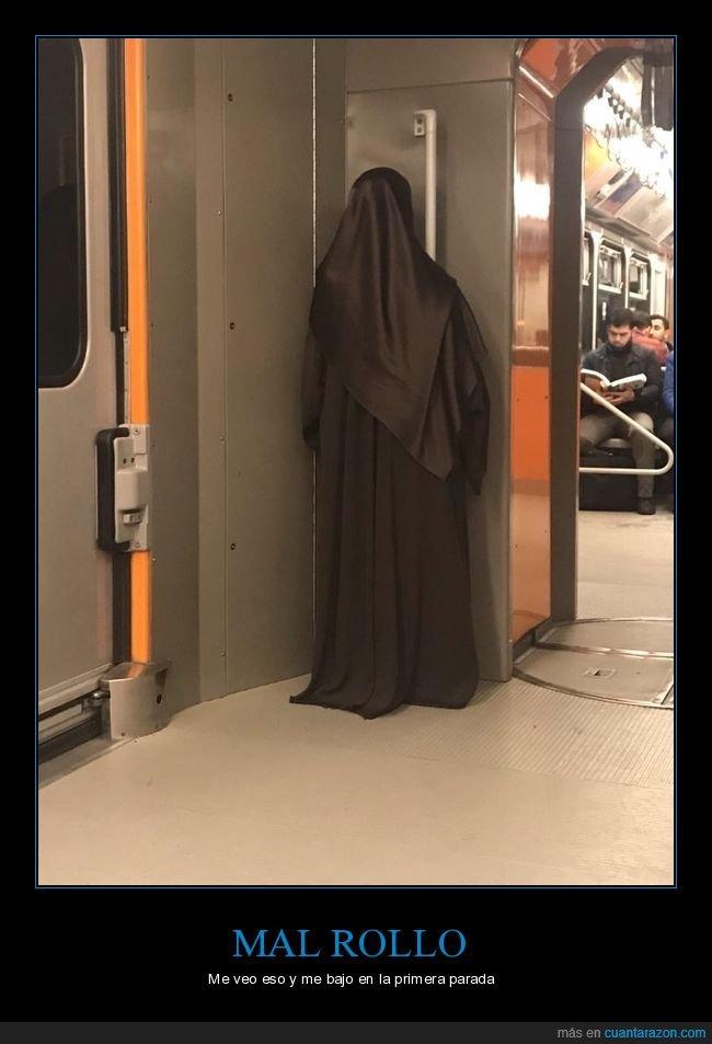 metro,monja,wtf