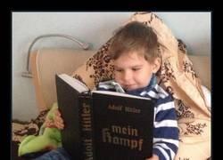 Enlace a Da gusto ver a los niños de hoy en día con un libro en las manos y una sonrisa en los labios