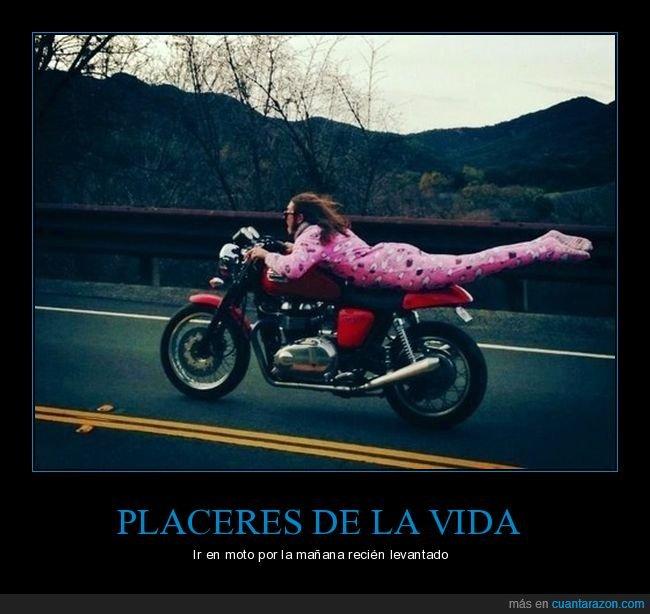 moto,pijama,wtf