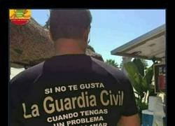 Enlace a ¿Y si mi madre es guardia civil?