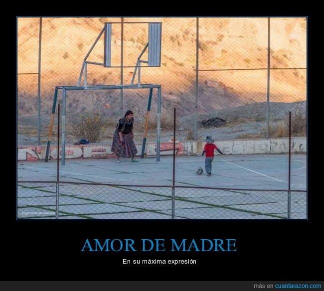 amor,fútbol,hijo,jugando,madre